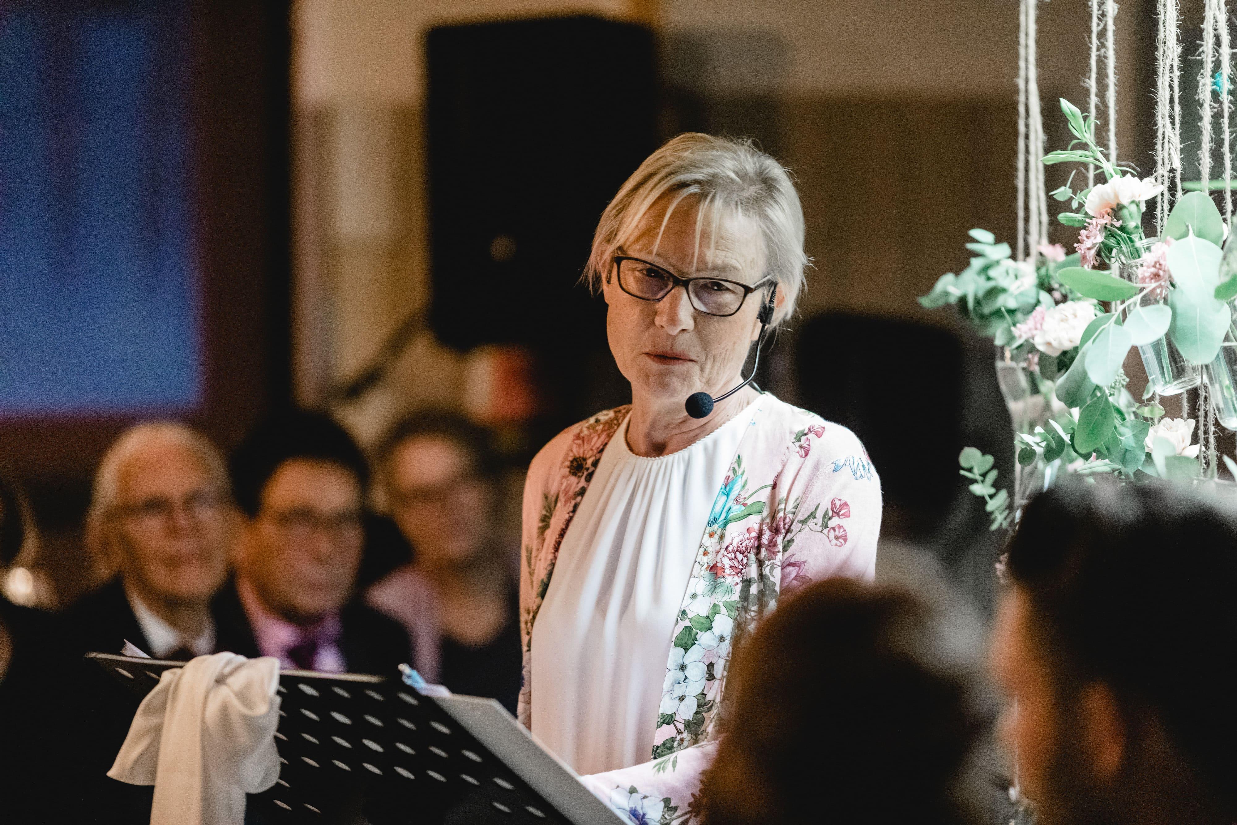Barbara Thoms freie Hochzeits und Trau Rednerin